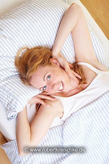 Aufwachen im Bett