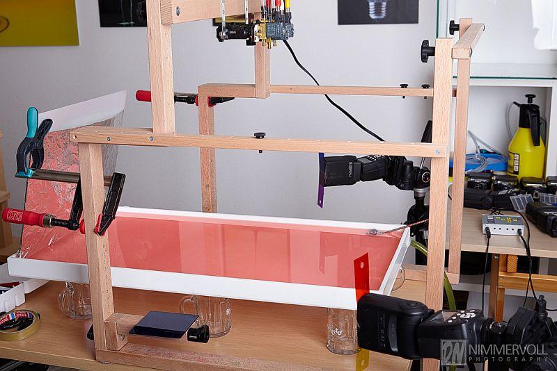 Das Setup mit lediglich zwei Aufsteckblitzen. Jeweils mit zwei Farbfolien bestückt.